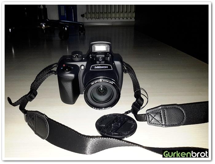 review medion life p44029 digitalkamera gurkenbrot. Black Bedroom Furniture Sets. Home Design Ideas