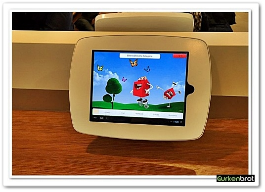 McDonalds FRA Flughafen_Tablet Station